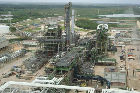 FCC and HDS units revamp Project for the Lazaro Cardenas Refinery